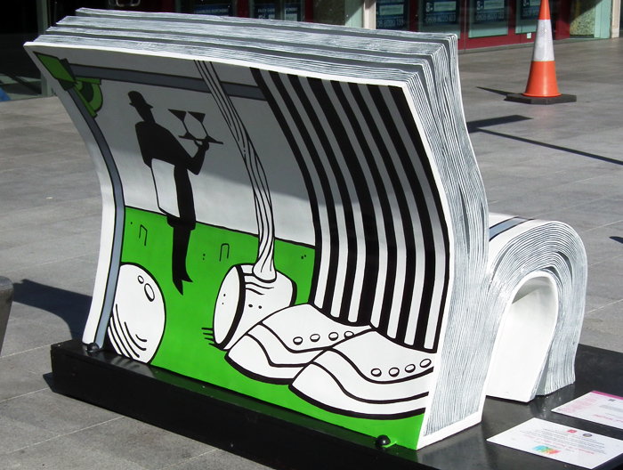 bookbench2-rear-700.jpg