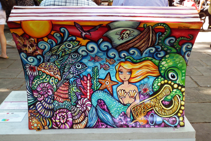 bookbench4-back-700.jpg